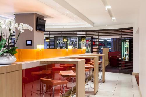 Лаундж или бар в Novotel Rotterdam Brainpark