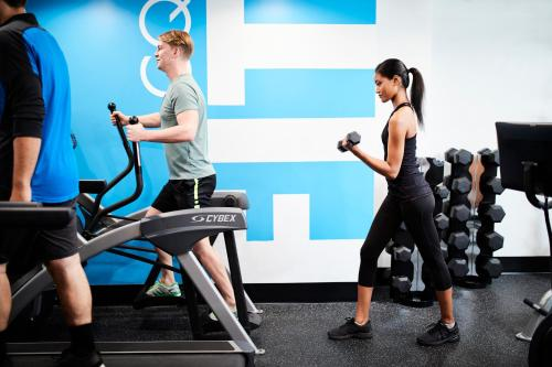 The fitness centre and/or fitness facilities at Club Quarters Hotel, Grand Central