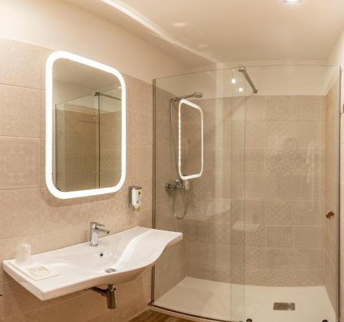 Salle de bains dans l'établissement Hotel Santa Cruz