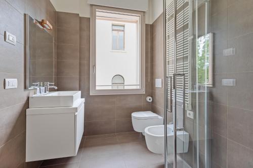 A bathroom at MyPlace Treviso Vittoria