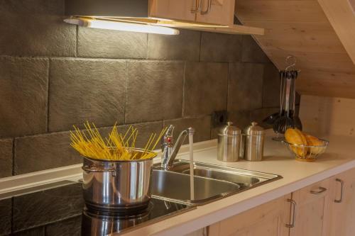 Küche/Küchenzeile in der Unterkunft Chalet La Rugiada