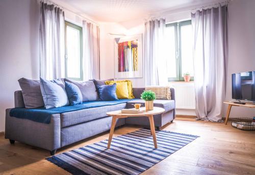 Besighomes - Apartment Blues