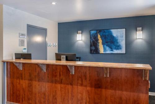Hall ou réception de l'établissement Econo Lodge