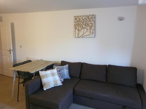 A seating area at Vetrelax Basildon Blake Apartment