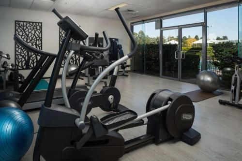 The fitness center and/or fitness facilities at Rydges Norwest Sydney