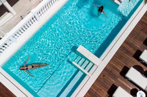 Bazén v ubytování Hotel Italia Palace nebo v jeho okolí