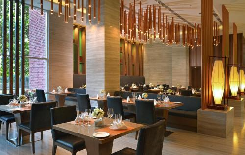 Welcomhotel by ITC Hotels, Richmond Road, Bengaluruにあるレストランまたは飲食店