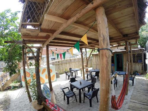 A restaurant or other place to eat at Verde Caribe
