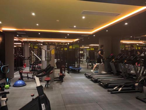 The fitness center and/or fitness facilities at My Palace Rooms Hotel SAW