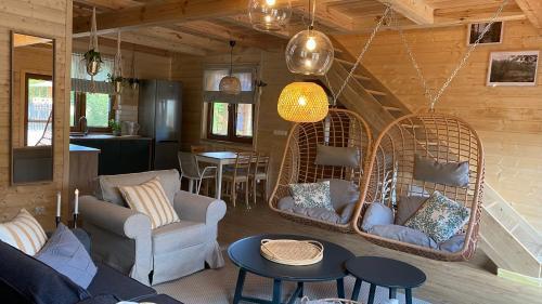 Hol lub bar w obiekcie Bug Wie Gdzie - Komfortowe domy wypoczynkowe