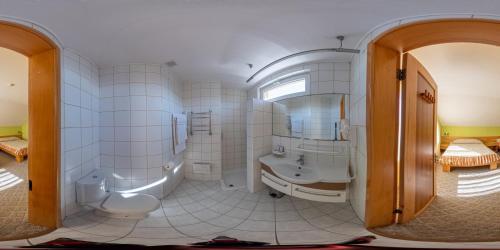 Ванная комната в Zolotoye Runo