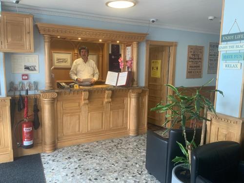 The lobby or reception area at Marina Metro Hotel