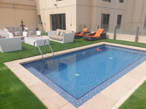 Elan Suits Penthouse With a Private Terrace Pool in JBR Beach