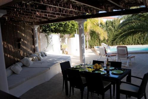 Un restaurante o sitio para comer en Chill Out