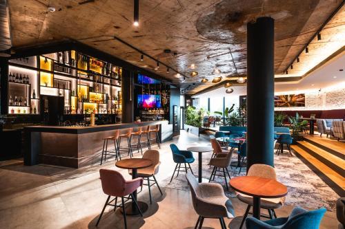 The lounge or bar area at OREA Hotel Pyramida Praha