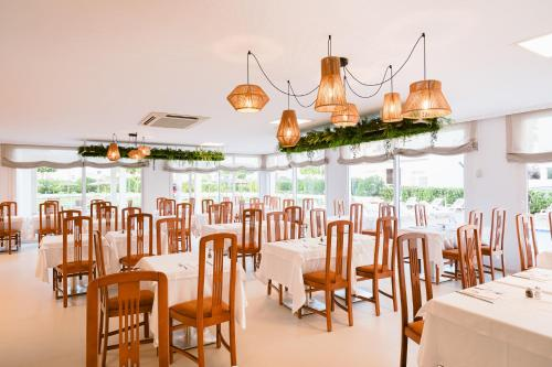 Een restaurant of ander eetgelegenheid bij Hotel Gran Sol