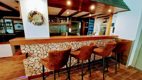 The lounge or bar area at Hotel Haus am Stein