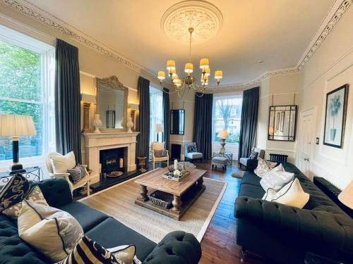 A seating area at Abercorn Guest House