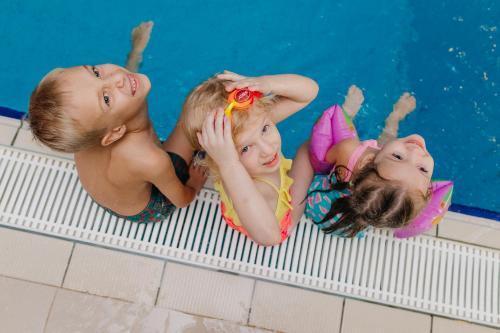 Дети в Отель Ренессанс Самара
