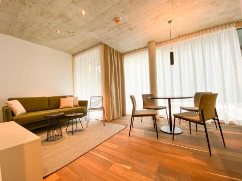 Ein Sitzbereich in der Unterkunft Blackhome Innsbruck City South I contactless check-in