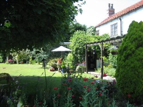 A garden outside The Mohair Farm