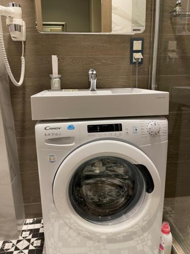 A bathroom at Апартаменты Мосфильмовская 53