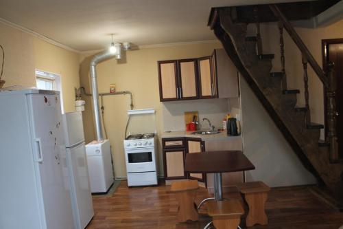 Кухня или мини-кухня в Holiday Home on Engelsa 50