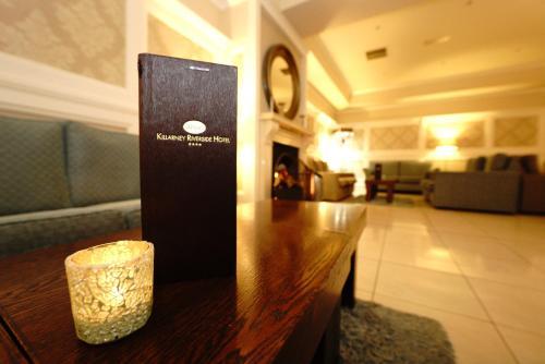 The lobby or reception area at Killarney Riverside Hotel