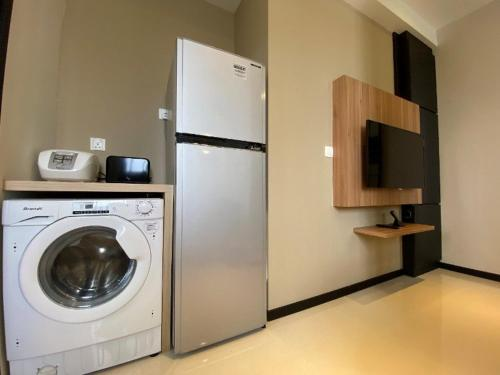 A kitchen or kitchenette at Ariva on Shan Serviced Residences (SG Clean)