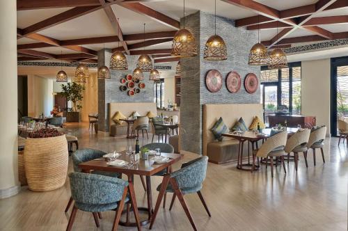 Un restaurante o sitio para comer en Hyatt Regency Addis Ababa