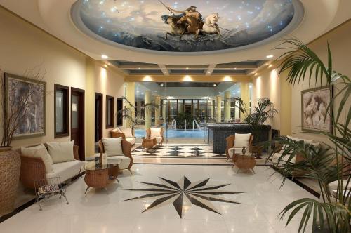 Ο χώρος του λόμπι ή της ρεσεψιόν στο Atrium Palace Thalasso Spa Resort And Villas