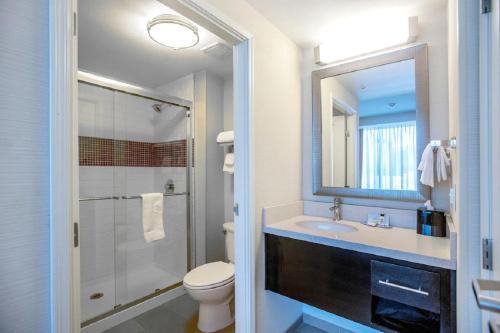 A bathroom at Staybridge Suites Denver Downtown, an IHG Hotel