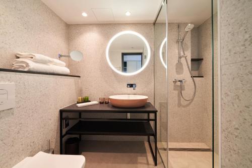 A bathroom at Nordic Hotel Forum
