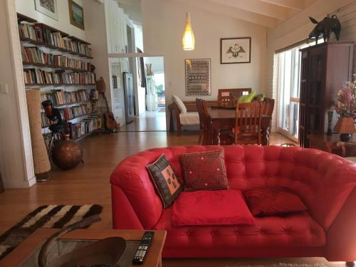 A seating area at Eumundi Guesthouse and B&B