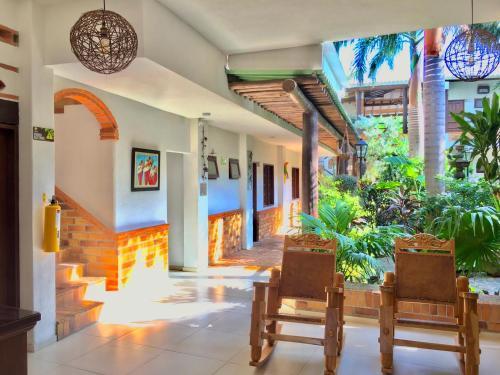 El vestíbulo o zona de recepción de Camali Hotel