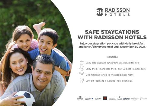 A family staying at Radisson Udaipur