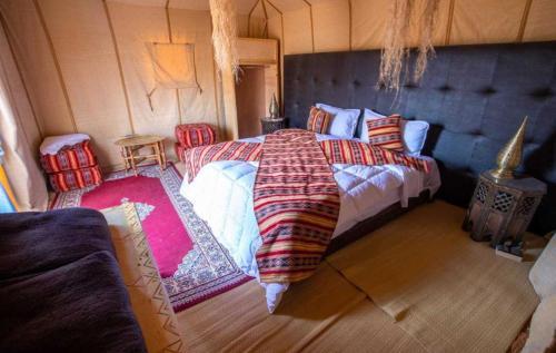 Cama o camas de una habitación en Mari Desert Camp