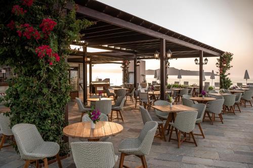 Restauracja lub miejsce do jedzenia w obiekcie Leptos Panorama Hotel