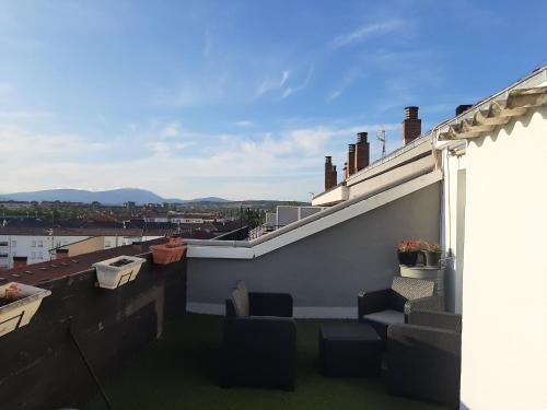 Un balcón o terraza de Atico en el centro de Vitoria