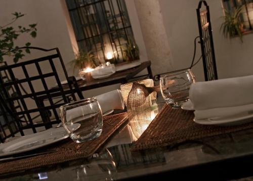 A restaurant or other place to eat at Hospes Las Casas Del Rey De Baeza