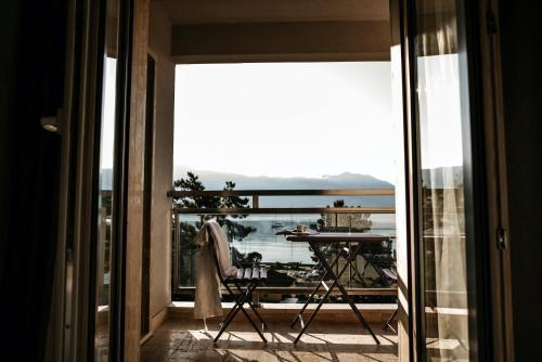 Ein Balkon oder eine Terrasse in der Unterkunft Fontana Hotel & Gastronomy