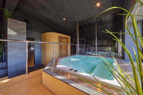 Bassein majutusasutuses Hotell Wesenbergh või selle lähedal