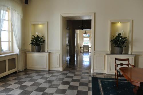"""Hol lub recepcja w obiekcie Hotel """"Zajazd Napoleoński"""""""