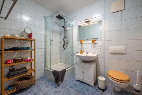 A bathroom at Erlebnisort Südvorstadt