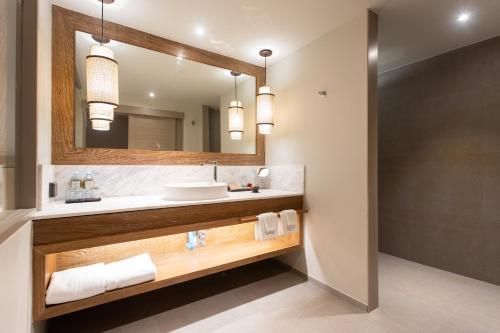 A bathroom at Rocky's Boutique Resort - SHA Plus