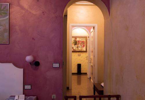 A bathroom at Hotel Joli
