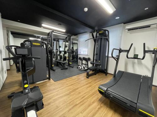 The fitness center and/or fitness facilities at 東邦ホテルゾンク博多