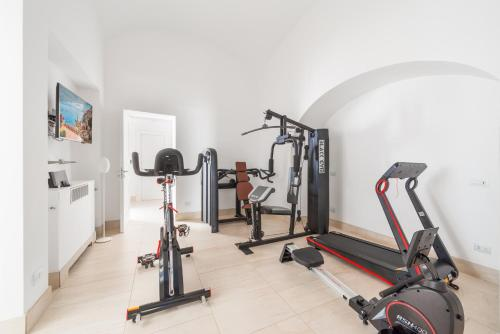 The fitness center and/or fitness facilities at Villa Magia