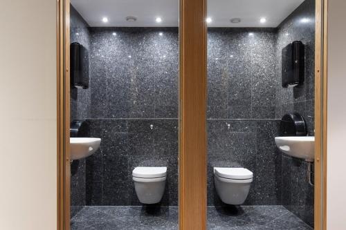 A bathroom at Göteborgs Mini-Hotel