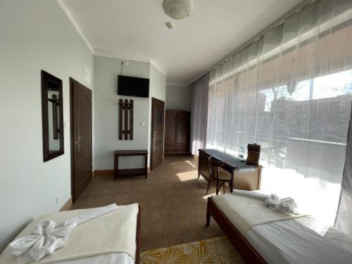 A seating area at Rentumi Hotel Warszawa (Fort Hotel)